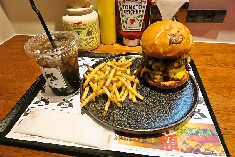 町田『SHOGUN BURGER』将軍バーガー的なハンバーガーでどうでしょう?