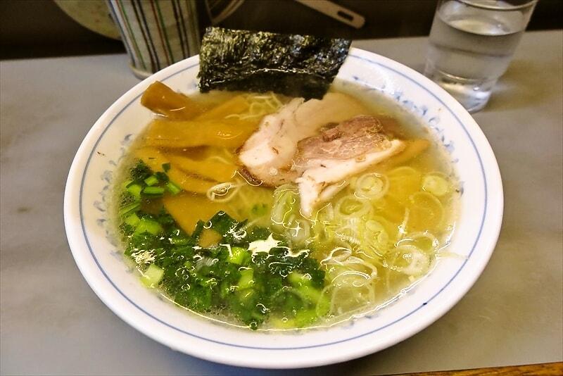 町田仲見世商店街『七面』(しちめん)で塩ラーメンを食べるじゃない