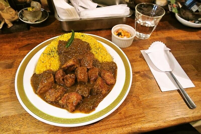 相模原で一番美味しいカレーの店『マボロシ』でポークカレー大盛