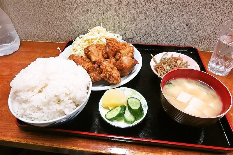 相模原『奄美』鶏の唐揚げ的な定食大盛りがデカ盛りな件