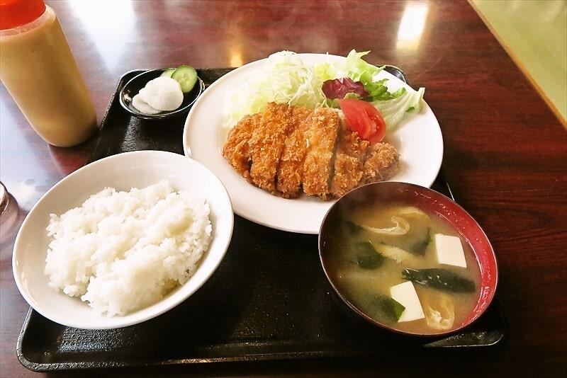 厚木『定食レストラン 梅昇』日替わりランチ的とんかつ定食を食す!