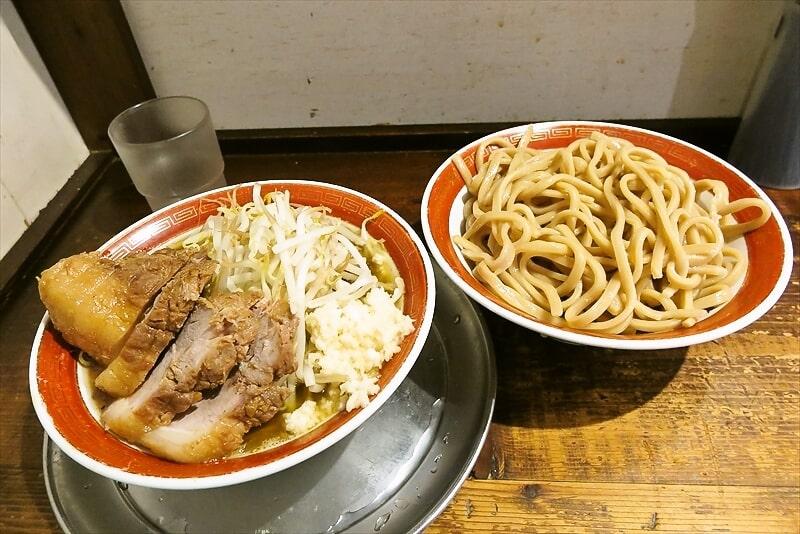 『麺でる』相模原店で特製つけ麺豚増しワンチャンあるでしょ!