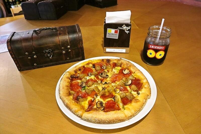 町田『ジーニーズ』で『ツーウェイピザ』が食べられるですと?