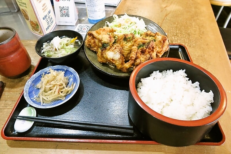 町田『からあげ処 長寿』鶏の唐揚げ的な定食は如何でしょうか?