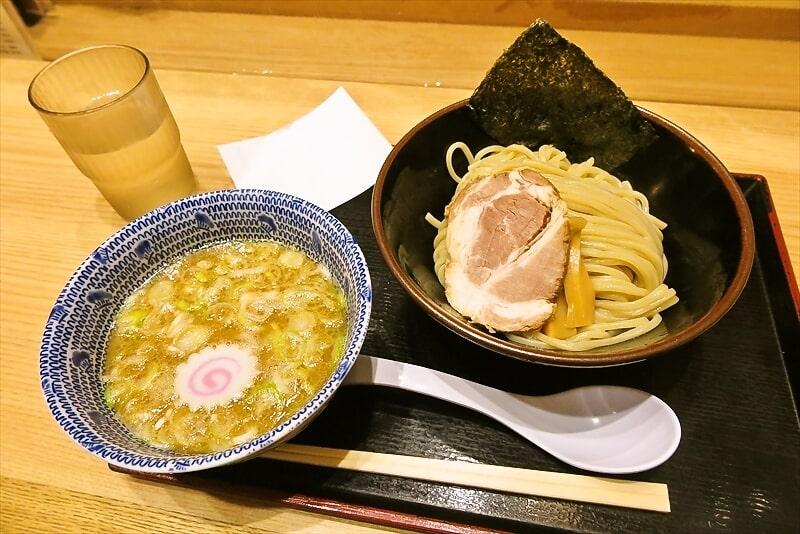 新横浜駅『舎鈴』つけ麺の小盛650円でどうでしょう~か?