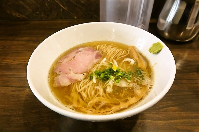 『進化 町田駅前店』鯵煮干しの塩そば的な塩ラーメンでどうでしょう?