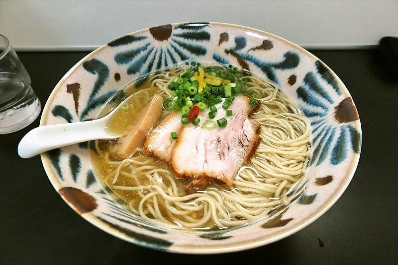 反町『自家製麺 SHIN』(シン)アゴだし塩ラーメンを食す!@横浜