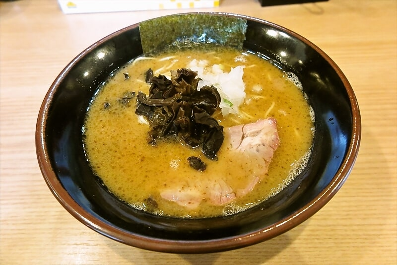 日吉『柴田商店』とんこつ醤油ラーメン(600円)を食べる時