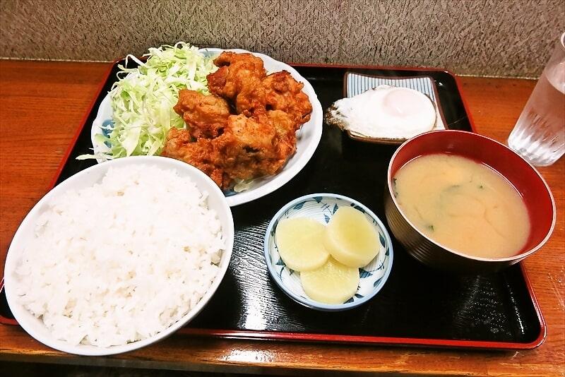 相模原『食事処 奄美』鶏の唐揚げ定食を御飯少な目で食べる日