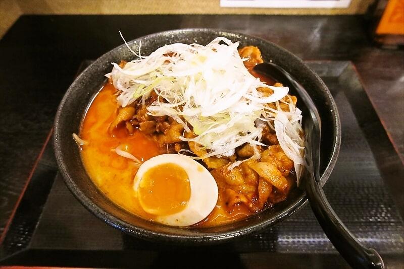 相模原『らーめん山猫亭』極太麺で焼肉盛りの味噌ラーメンを食す!