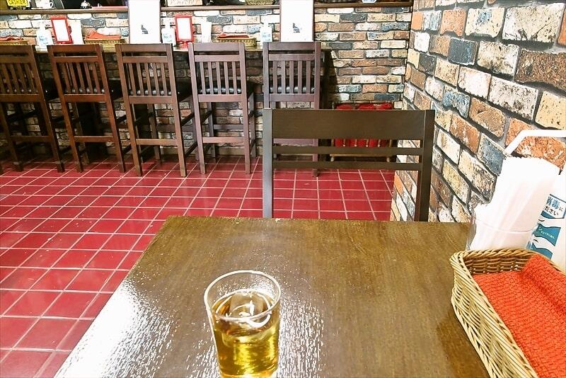 喫茶室ノスタルジーカウンター席