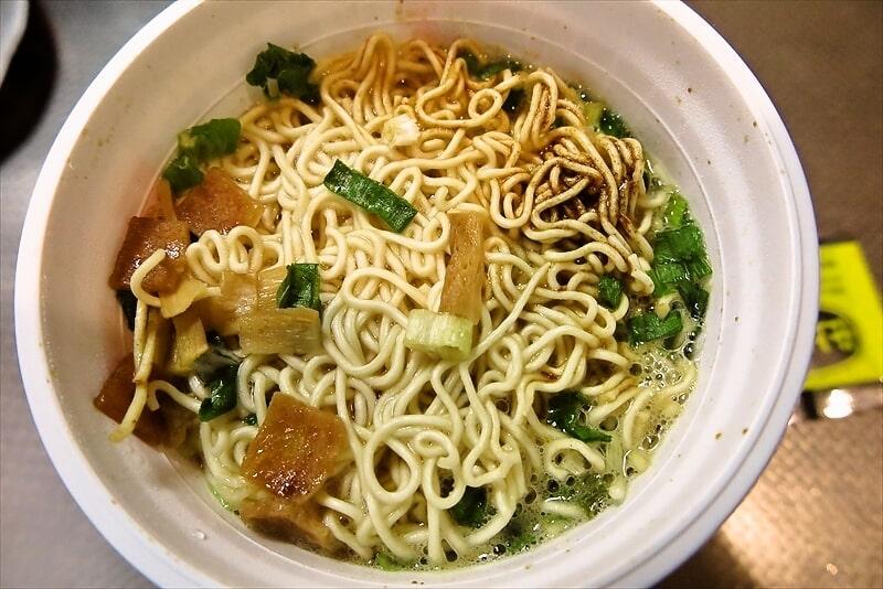 麺屋さくら井地鶏醤油味カップラーメン7