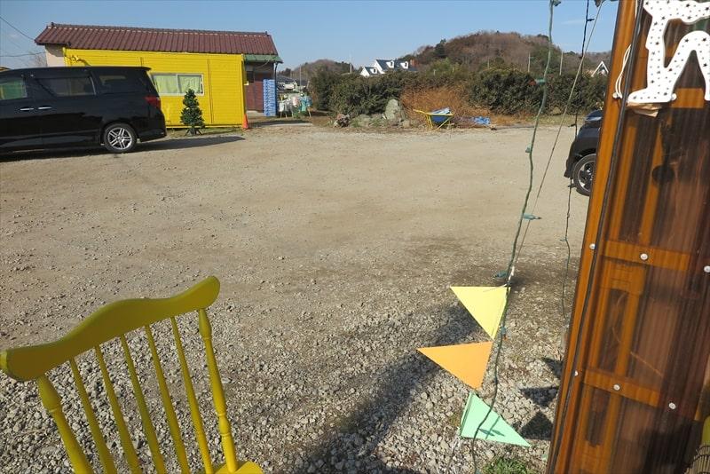 玉子サンド研究所駐車場2