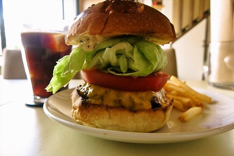 e-burgersレッドチェダーチーズバーガー4