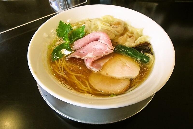 『麺や六助』ワンタン中華そば1