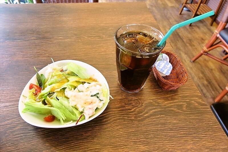 『OH!GOD』ランチドリンク&サラダ