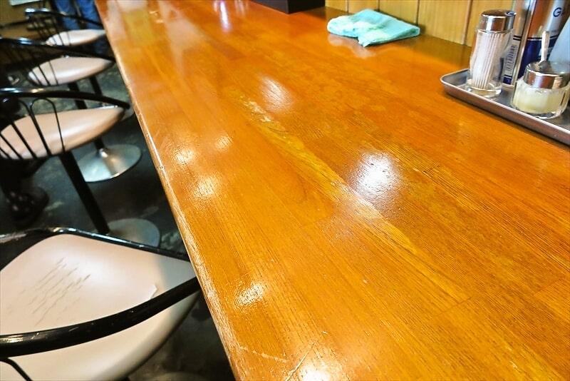 『竹の助』カウンター席