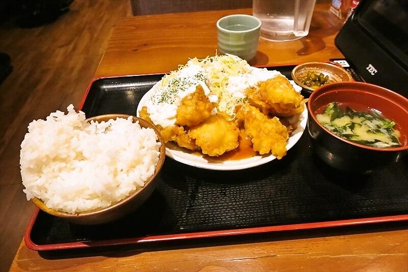 『てけてけ』デカ盛りチキン南蛮定食8