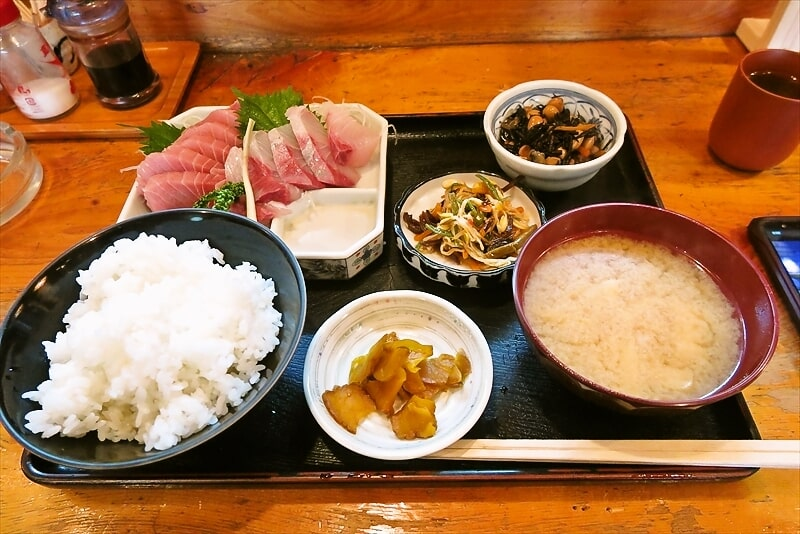 『魚がし』まぐろかんぱち定食1
