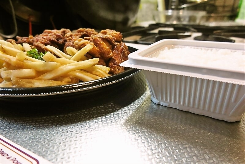 『不二家レストラン』超メガ盛り唐揚げ弁当7
