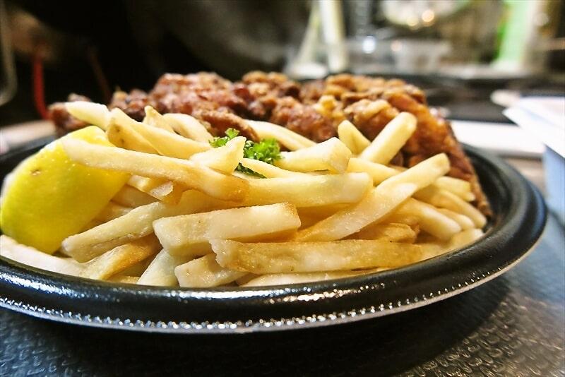 『不二家レストラン』超メガ盛り唐揚げ弁当4