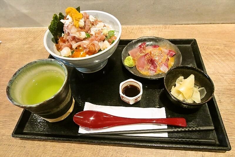 『たけし』海鮮ぜいたく丼3