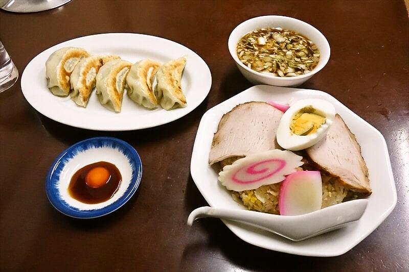 『中華料理つるや食堂』五目チャーハン1