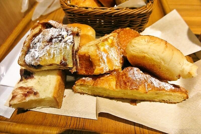 『アンティーク町田店』パン食べ放題モーニング3