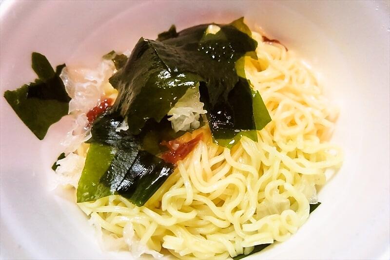『凄麺 冷し中華 海藻サラダ風』8