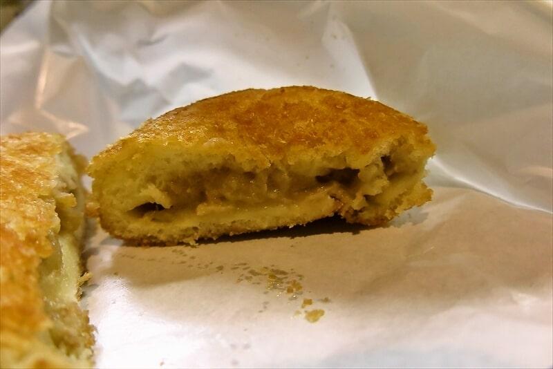 セブンイレブン『お店で揚げたコロッケパン』5