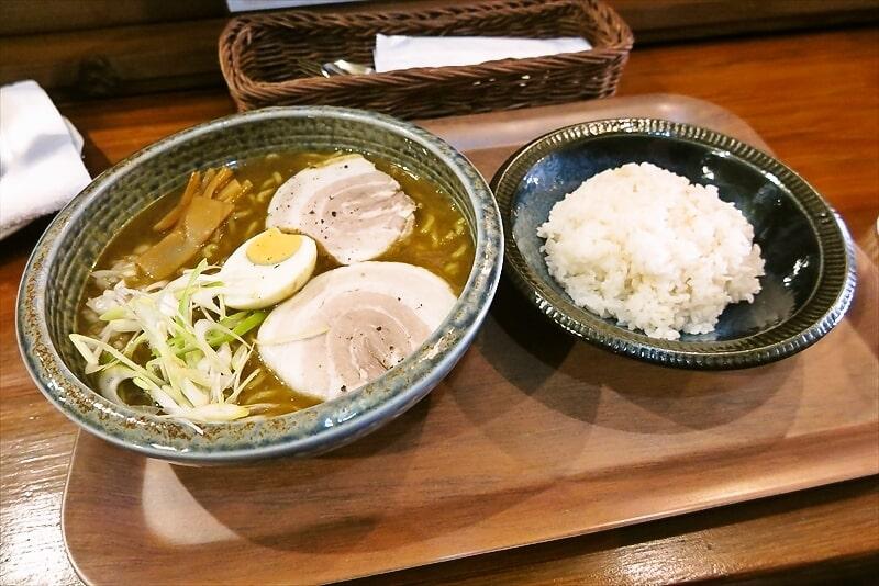 『スープカレーぶらっちゃ』カレーラーメン1