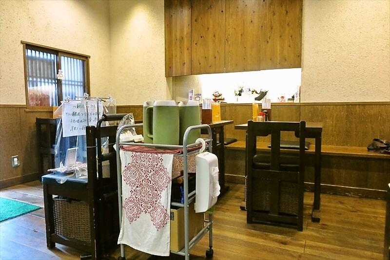 『そば処 まる栄』店内写真