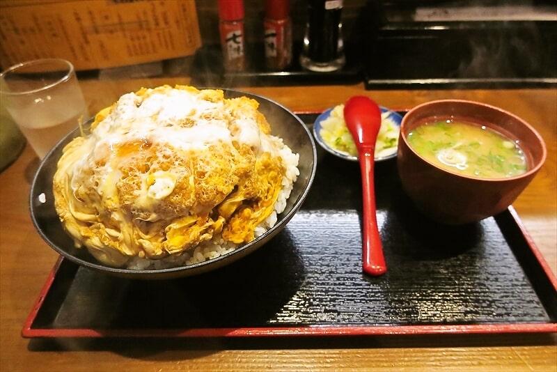 『そば処 まる栄』カツ丼(二段)1