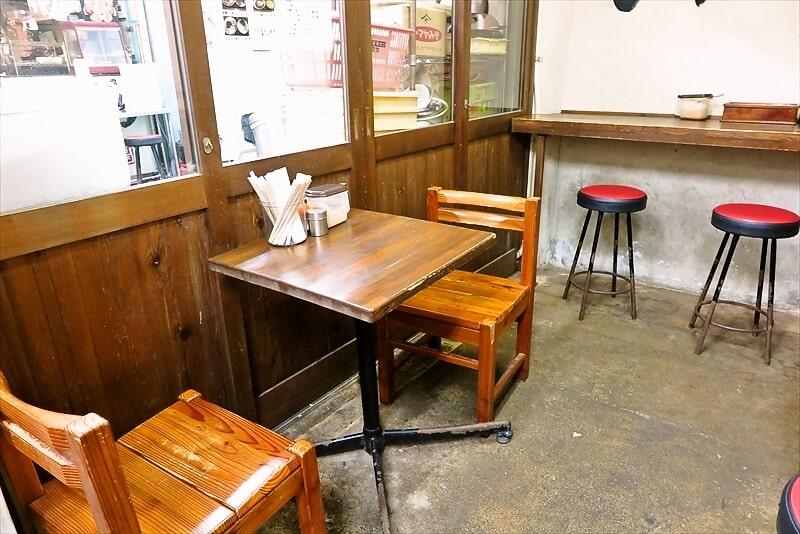 『さらしな』テーブル席