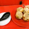 町田『小陽生煎饅頭屋』焼き小籠包と言えば仲見世商店街のココでしょうか?