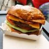 『ダニエルタイガー』のハンバーガーを食べないってどうよ?バンコク的に考えて?@タ